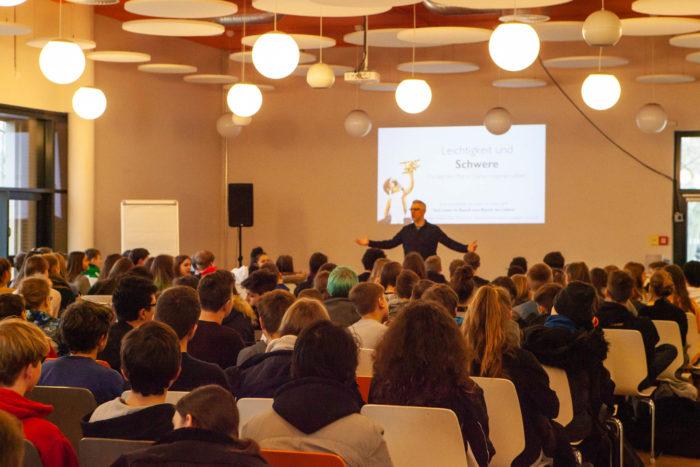 Vortrag und Workshop für Suchtprävention und auf der Bühne bei der Foundation